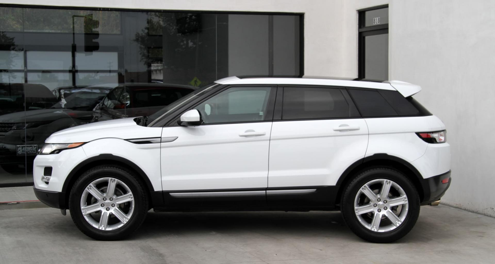 evoque block around the rover quarter view land range landrover three rear in news