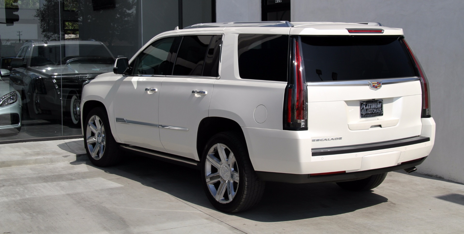 2015 cadillac escalade premium stock 6020 for sale near redondo beach ca ca cadillac dealer. Black Bedroom Furniture Sets. Home Design Ideas