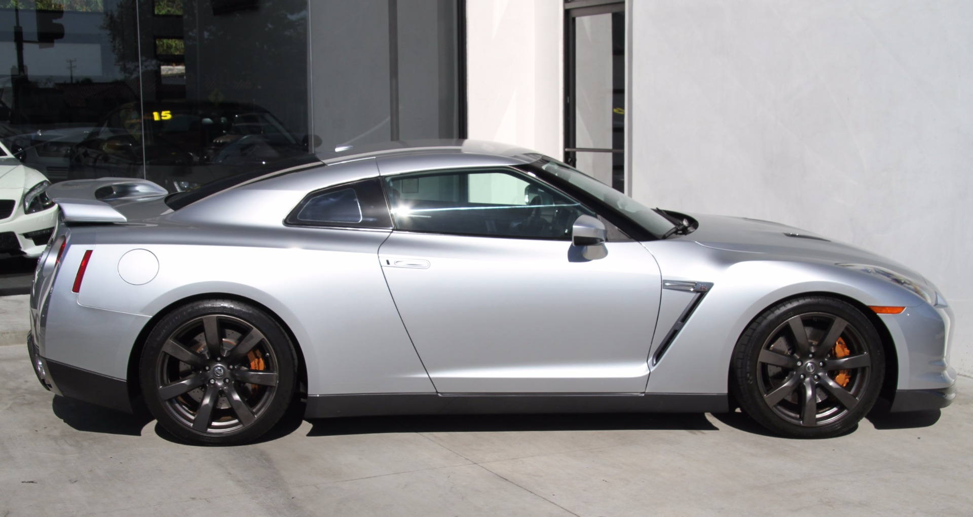 used 2014 nissan gt r for sale pricing features edmunds autos post. Black Bedroom Furniture Sets. Home Design Ideas