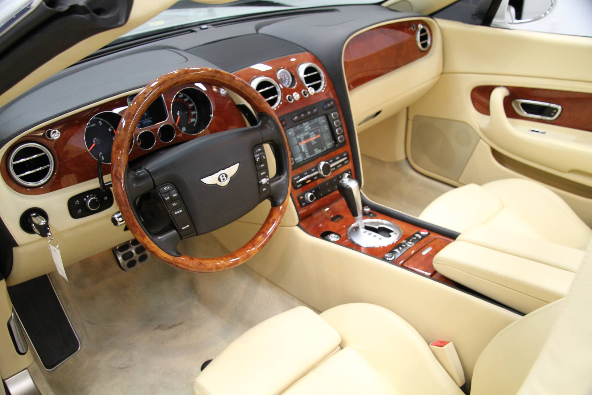Free Vehicle History Report By Vin >> 2007 Bentley Continental GTC ** MAGNOLIA INTERIOR ** Stock ...