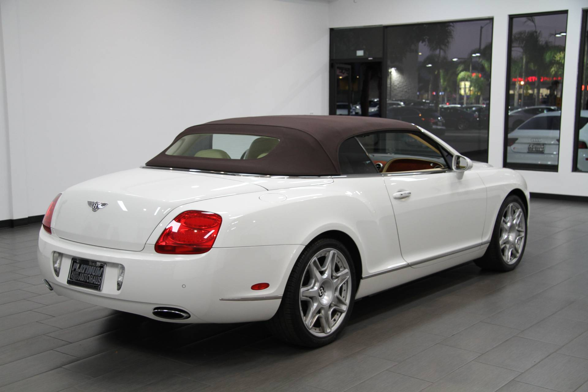 2007 bentley continental gtc magnolia interior stock. Black Bedroom Furniture Sets. Home Design Ideas