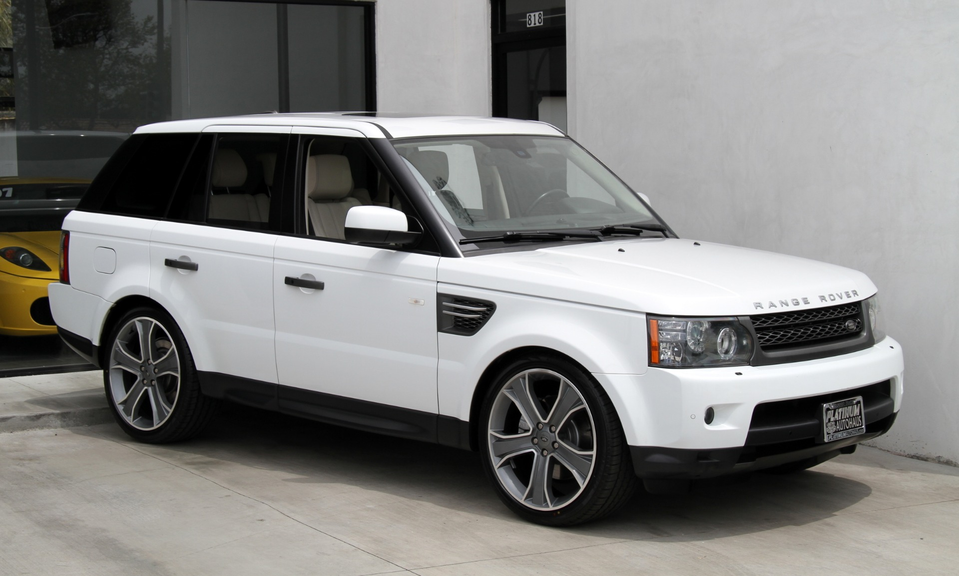 2011 land rover range rover sport hse luxury package. Black Bedroom Furniture Sets. Home Design Ideas