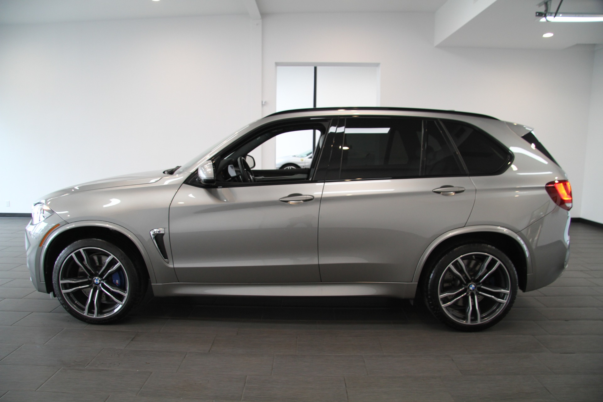 new vehicle video detail dealer at sports iperformance bmw activity