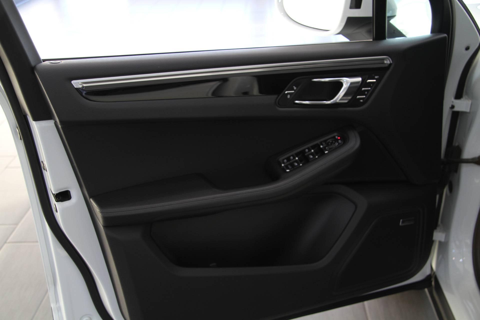 2016 Porsche Macan S Premium Pkg Plus Stock 6111