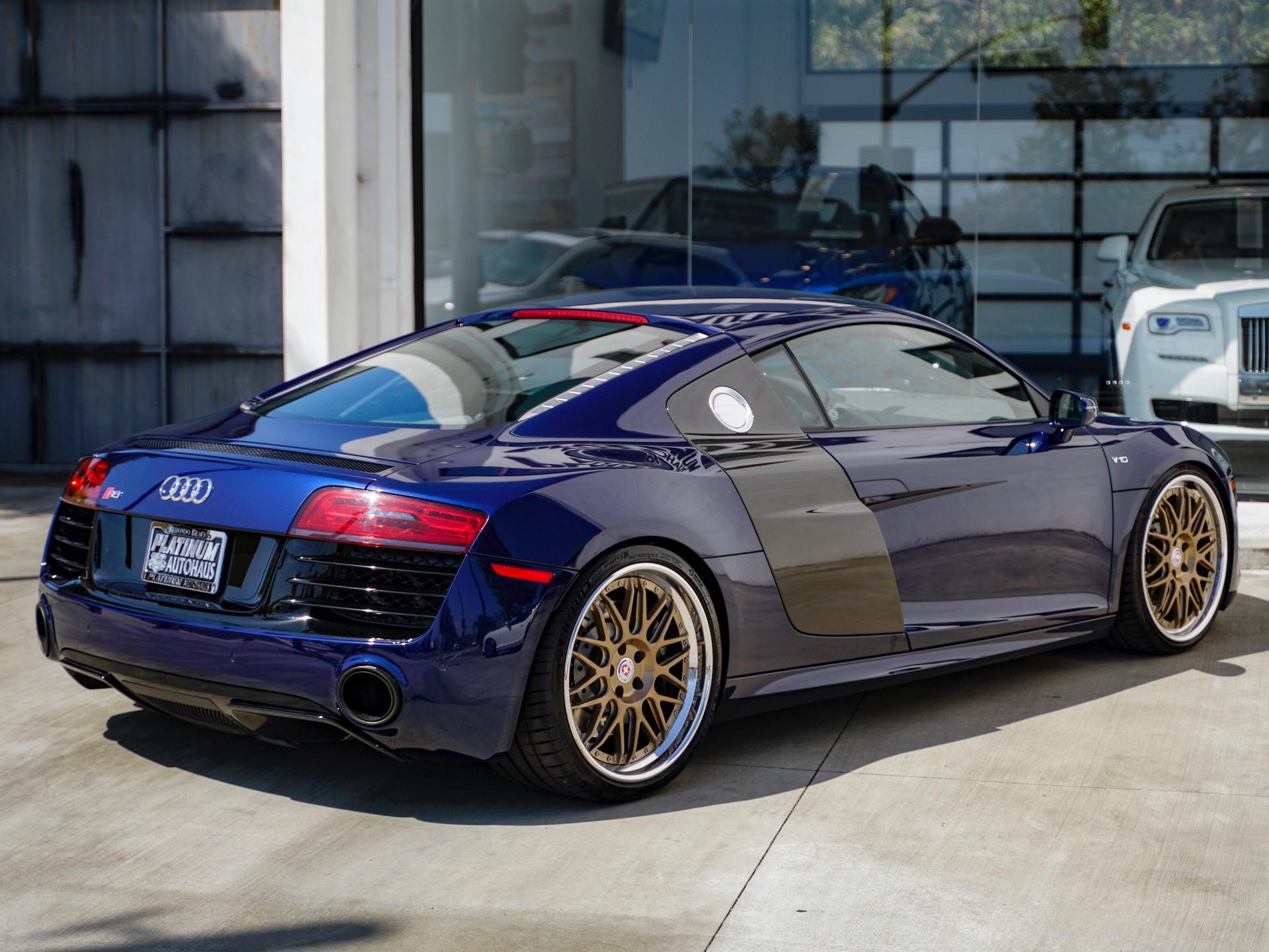 Used-2014-Audi-R8-52-quattro