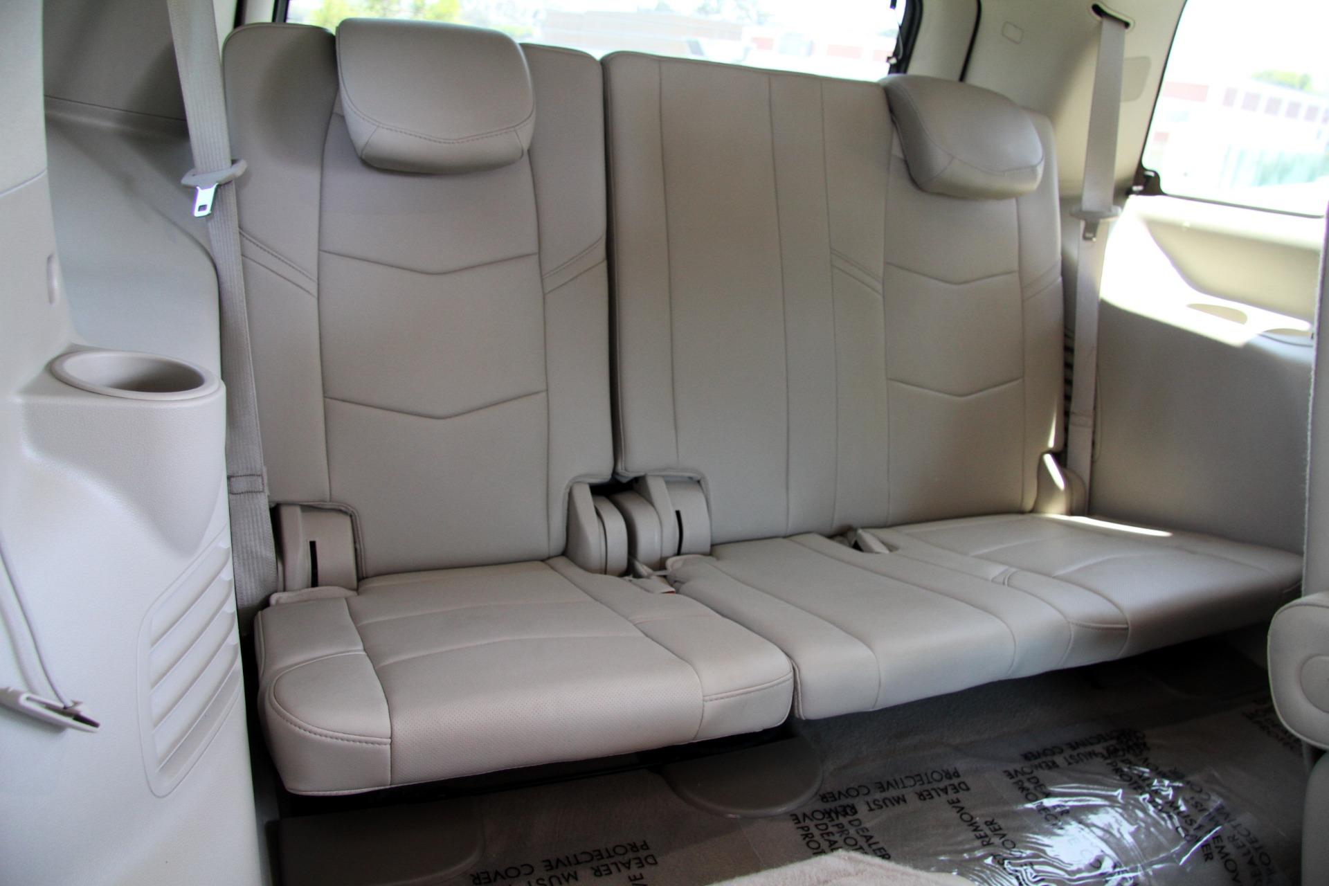 Used-2017-Cadillac-Escalade-Premium-Luxury