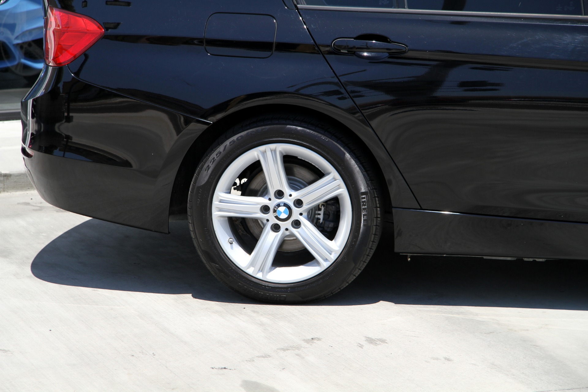 Used-2014-BMW-3-Series-320i