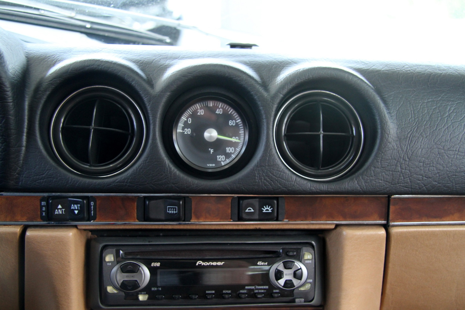 Used-1986-Mercedes-Benz-560-Class-560-SL