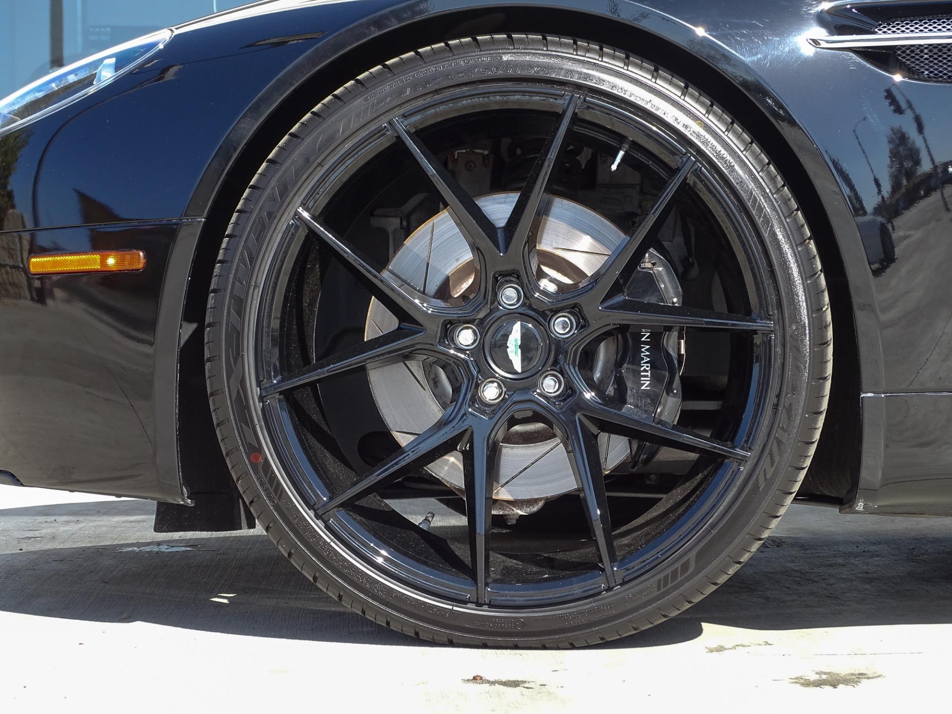 Used-2007-Aston-Martin-V8-Vantage-Roadster