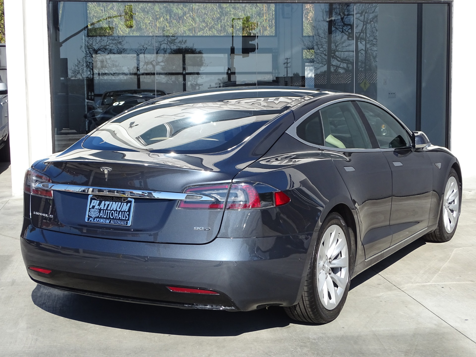 Used-2016-Tesla-Model-S-90D