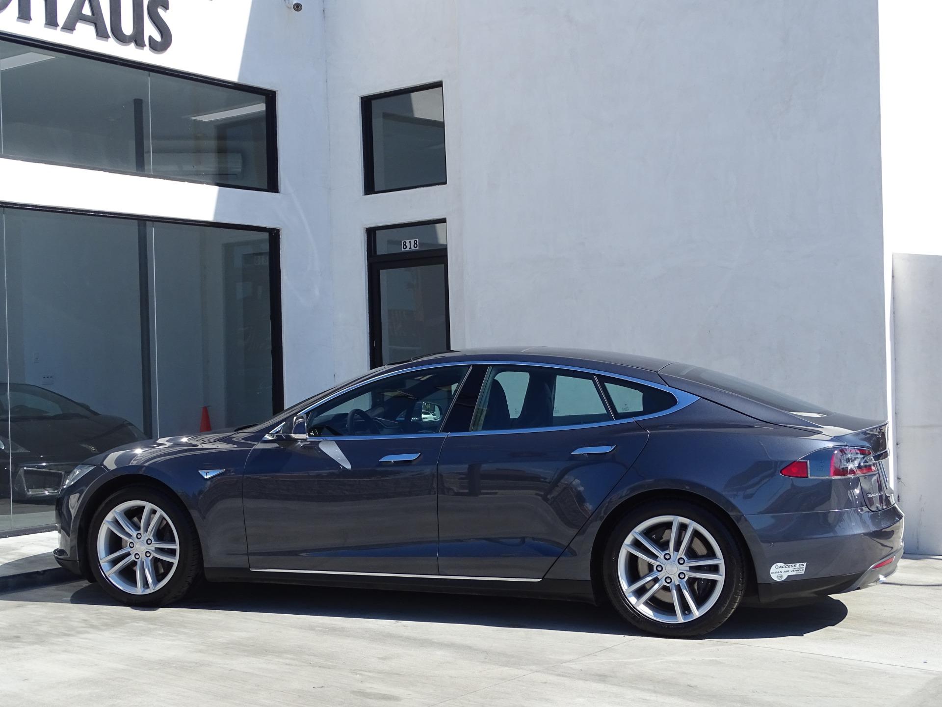 Used-2015-Tesla-Model-S-85D--***-AUTOPILOT-***