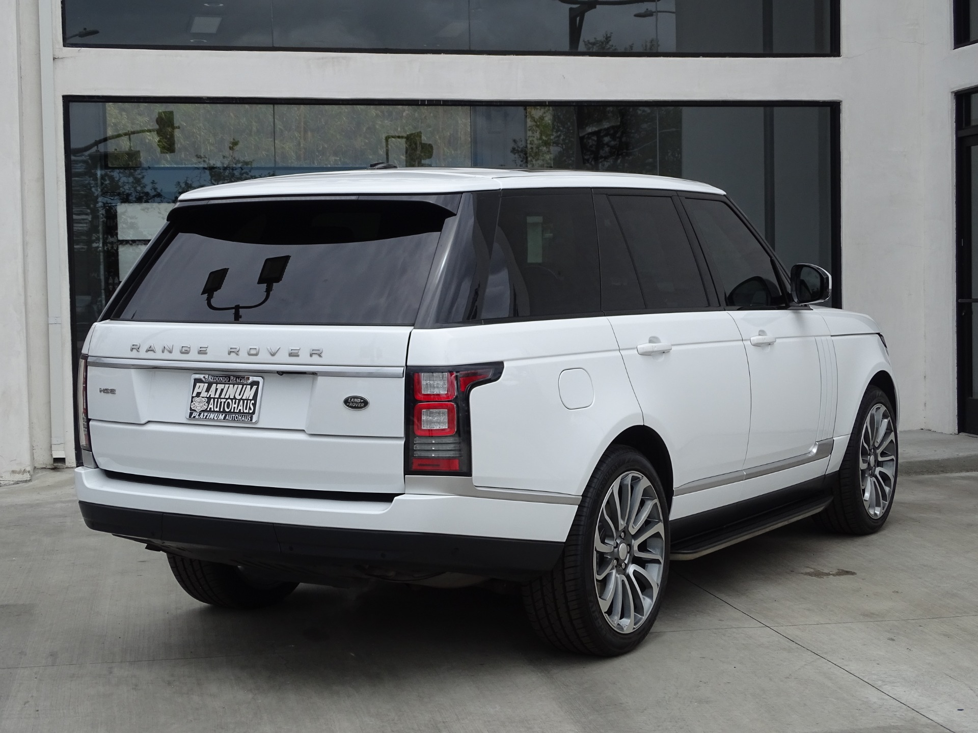 Used-2015-Land-Rover-Range-Rover-HSE