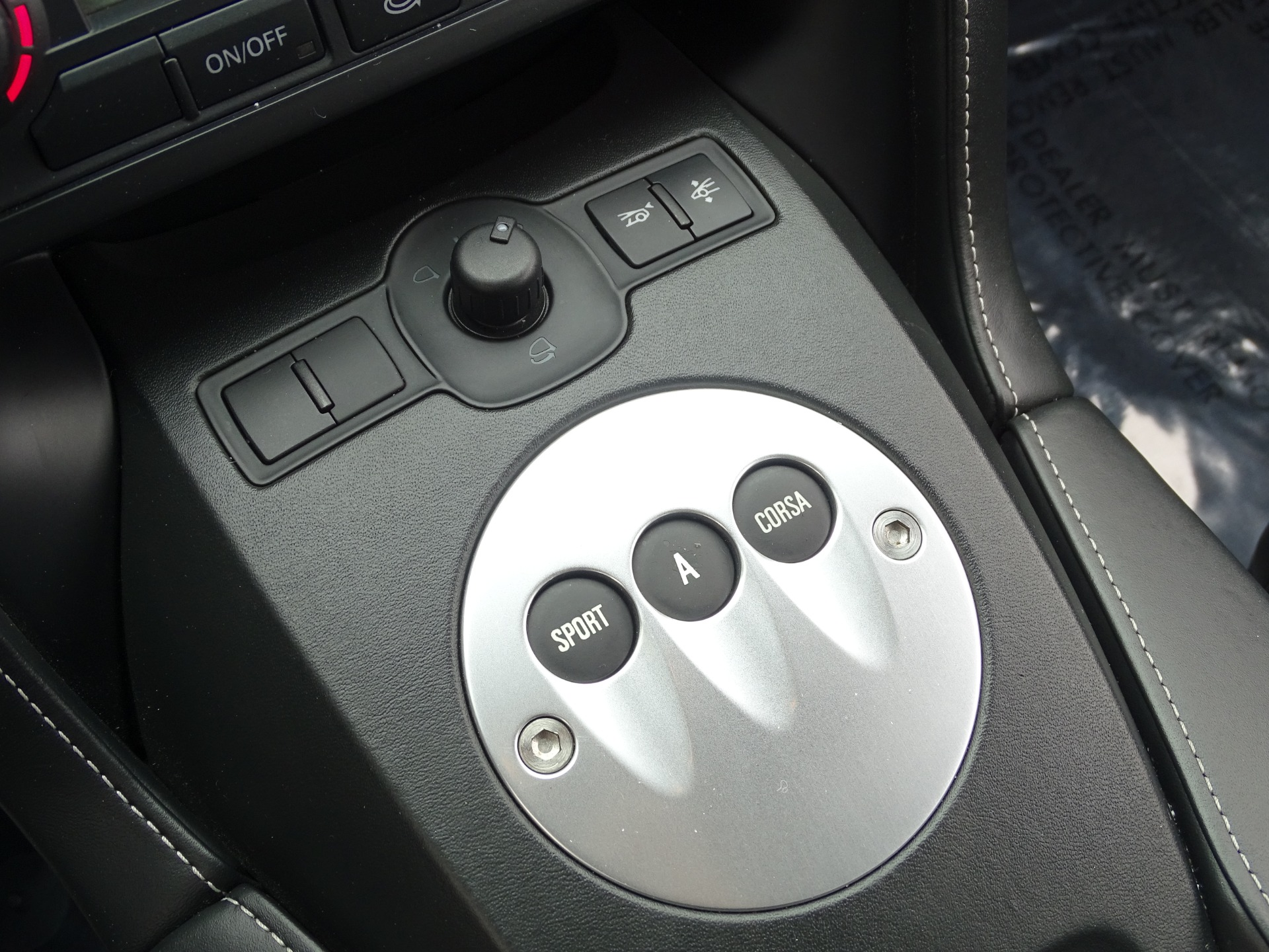 Used-2012-Lamborghini-Gallardo-LP-550-2