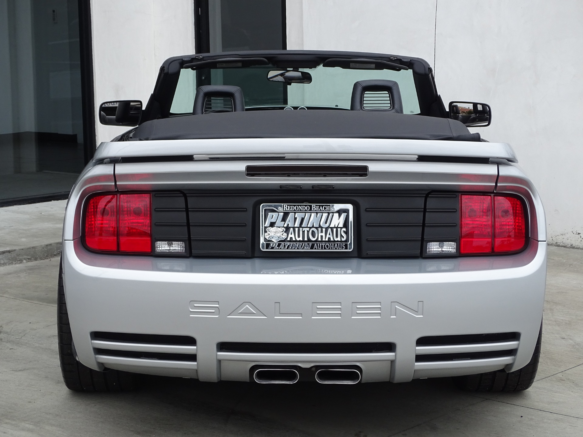 Used-2006-Ford-Mustang-GT-Premium