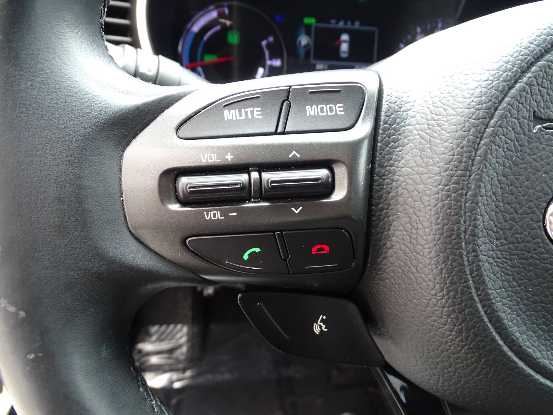 Used-2014-Kia-Optima-Hybrid-EX