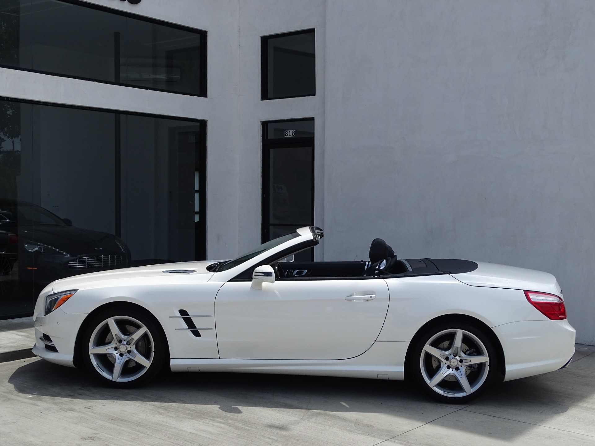 Used-2016-Mercedes-Benz-SL-Class-SL-550