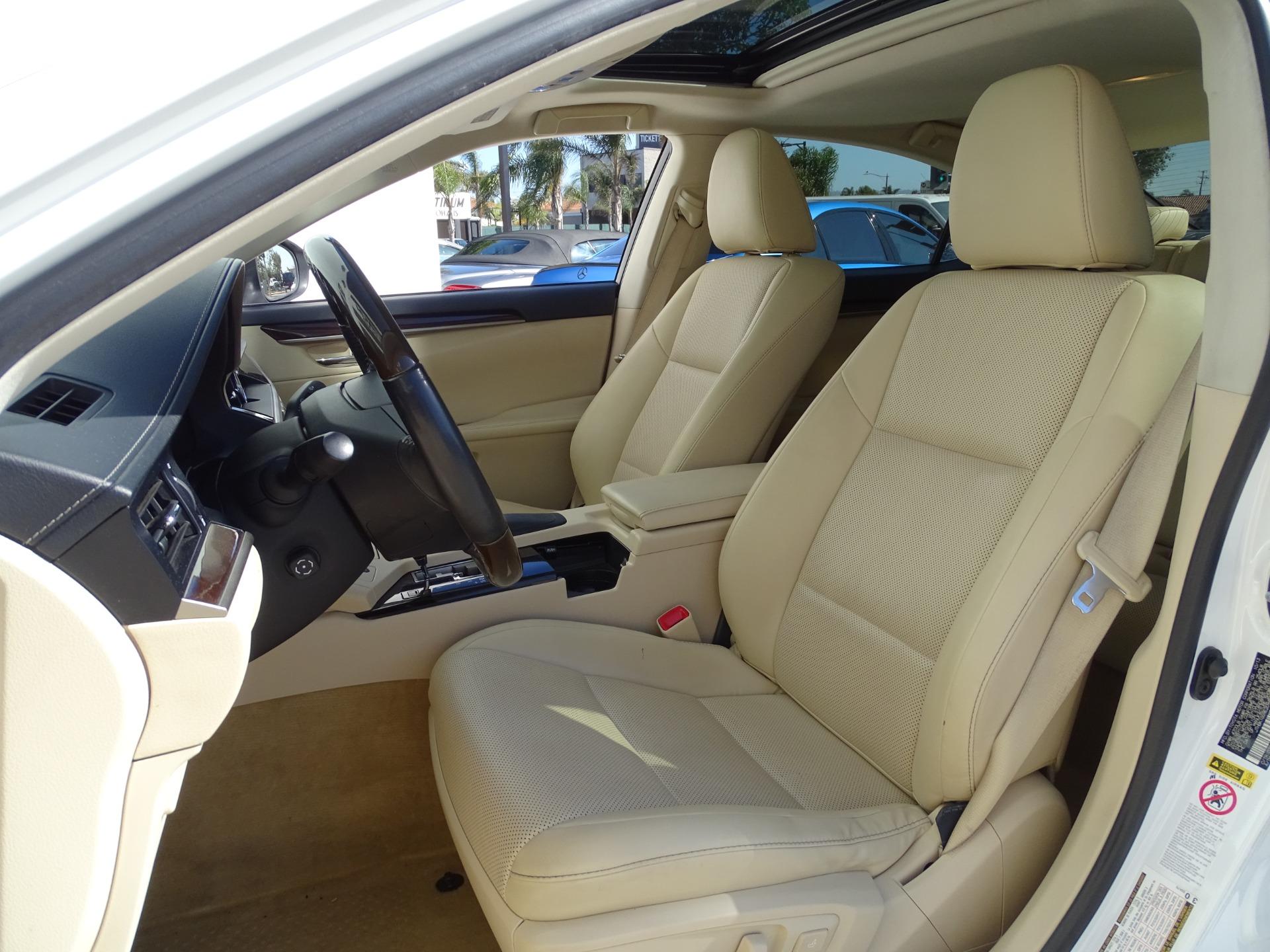 Used-2014-Lexus-ES-350