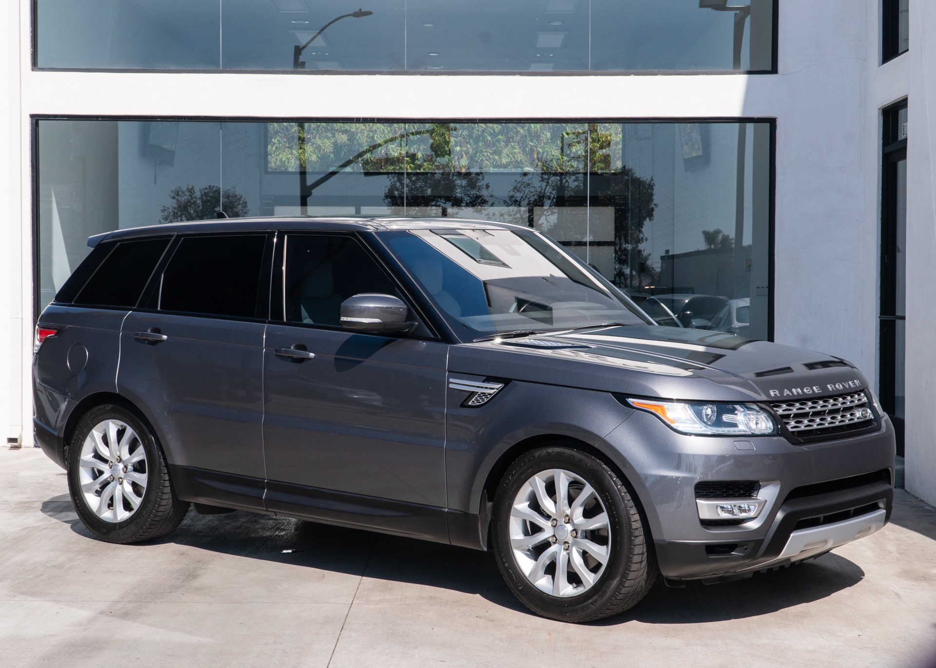 Used-2016-Land-Rover-Range-Rover-Sport-HSE-Td6