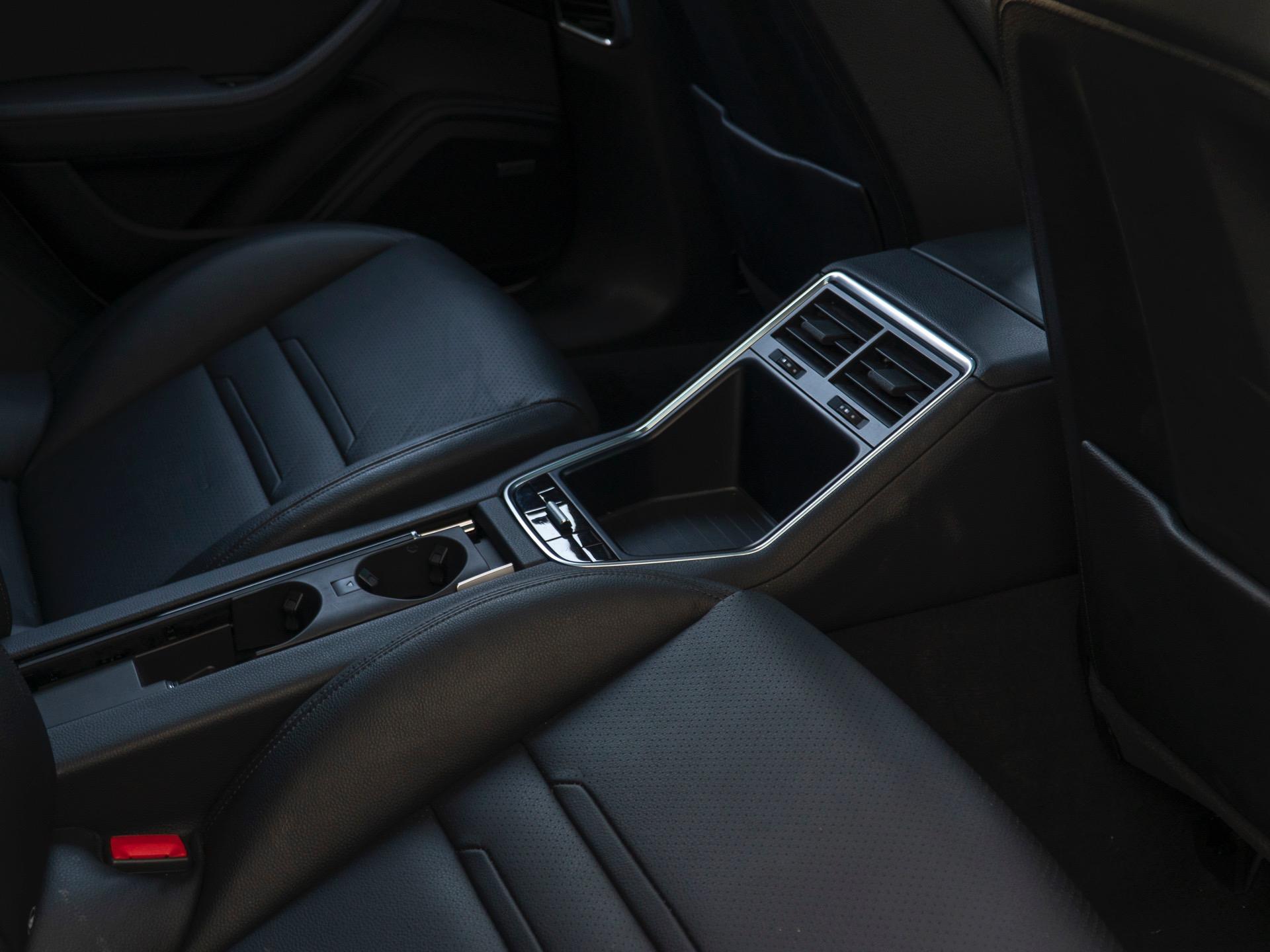 Used-2018-Porsche-Panamera