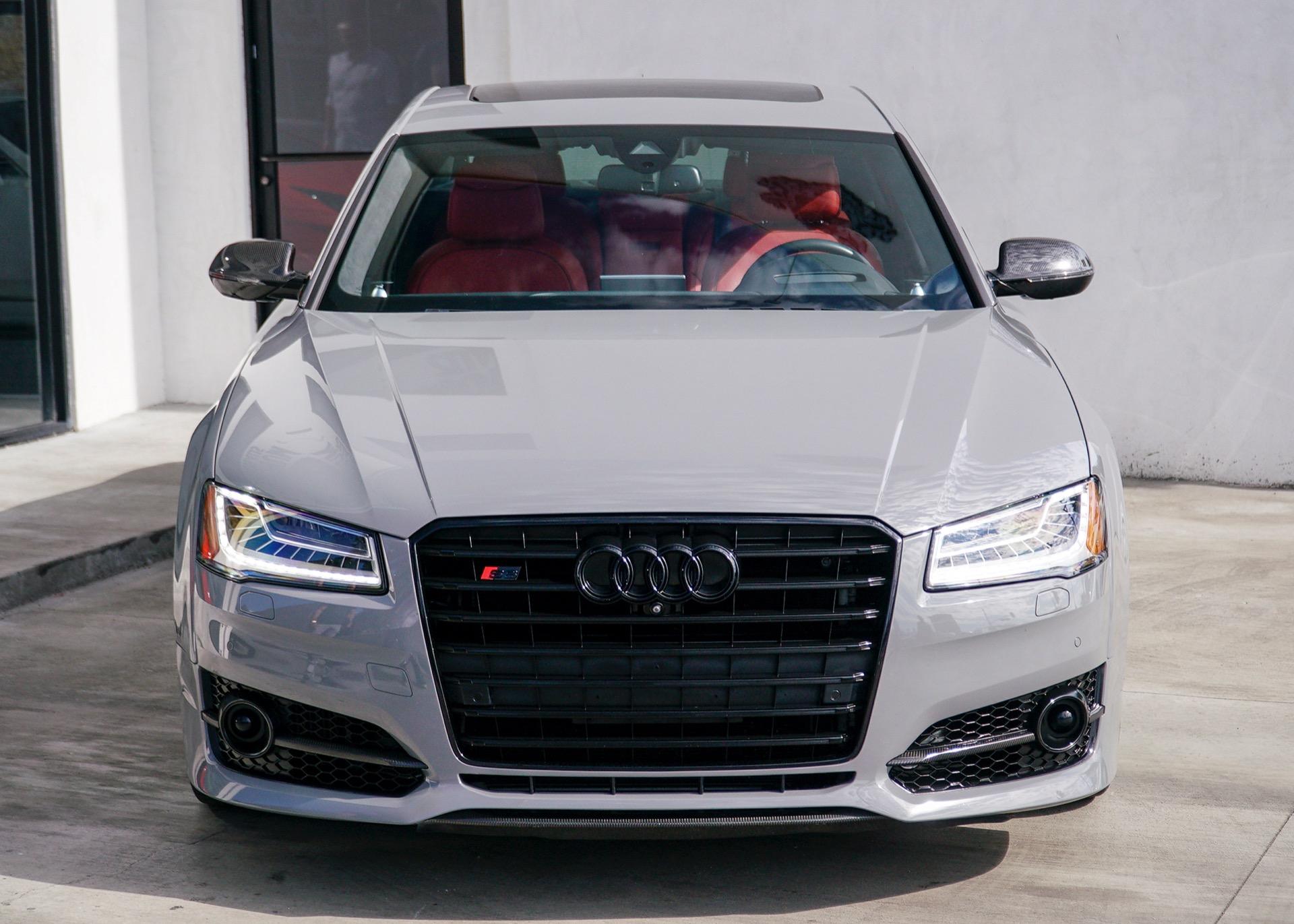 Used-2016-Audi-S8-plus-40T-quattro