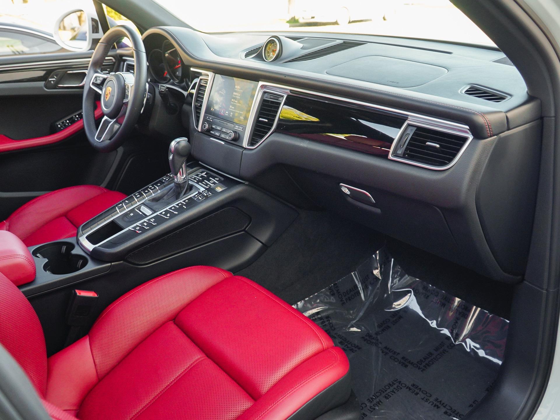 Used-2017-Porsche-Macan