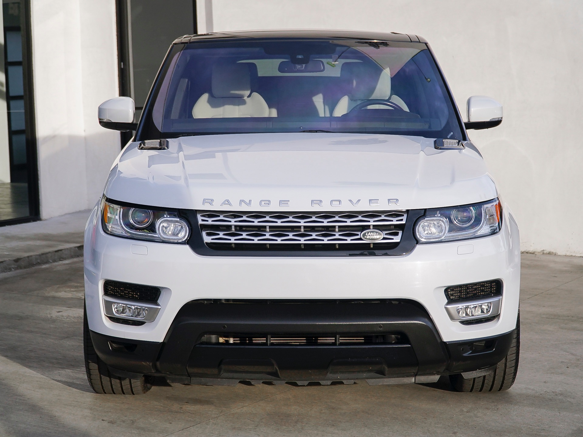 Used-2016-Land-Rover-Range-Rover-Sport-HSE
