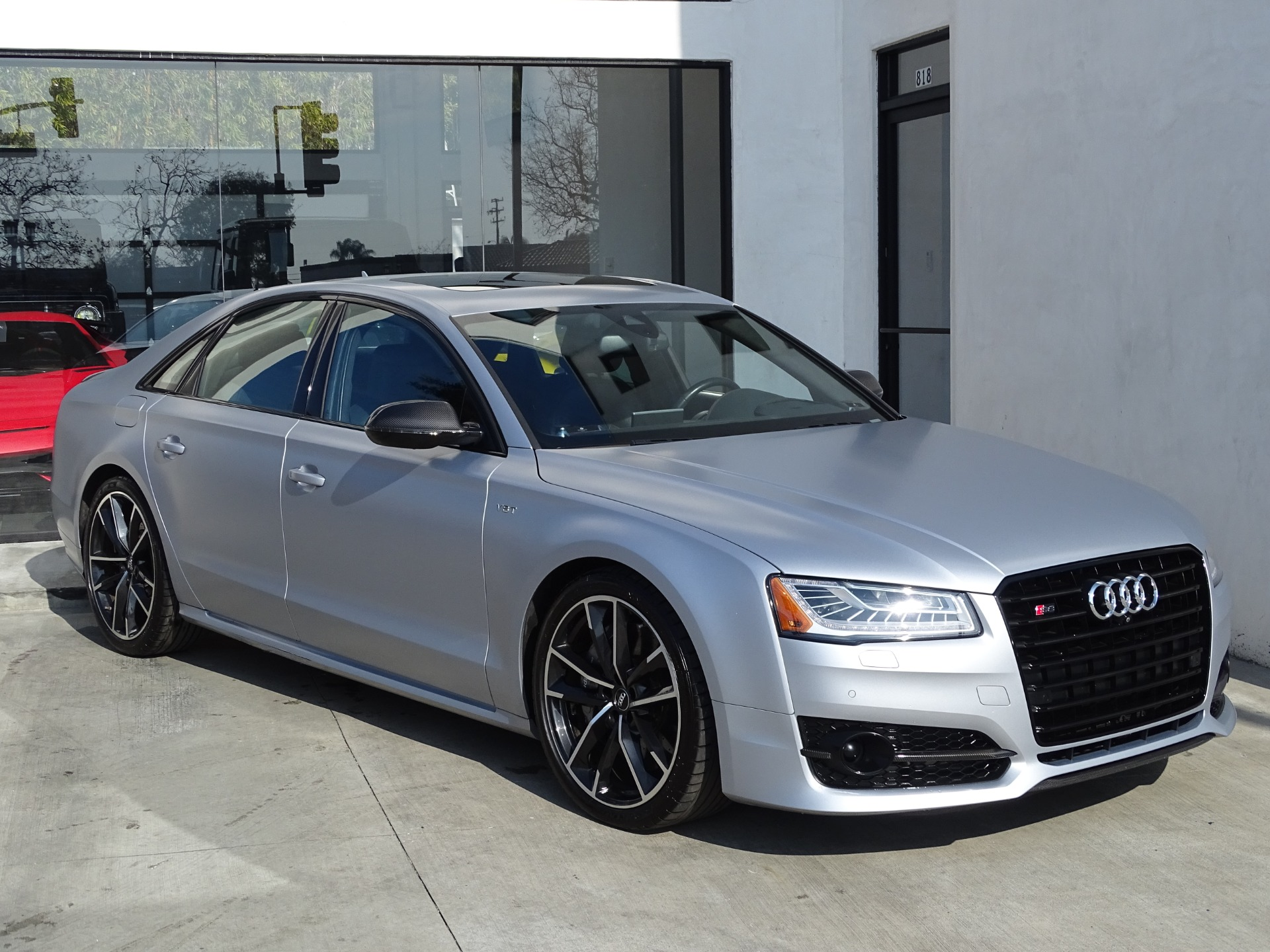 Used-2016-Audi-S8-plus-40T-quattro