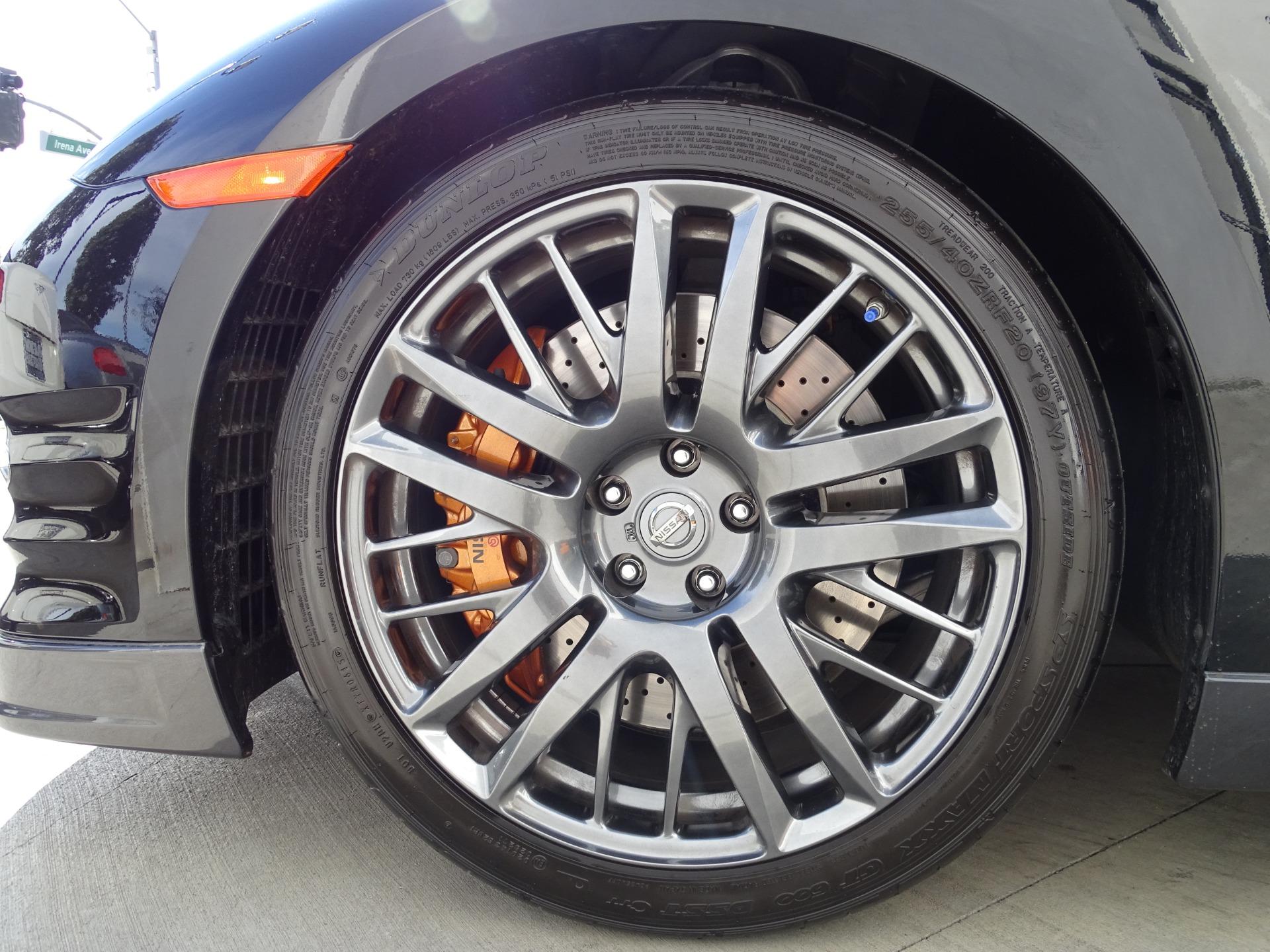 Used-2016-Nissan-GT-R-Premium
