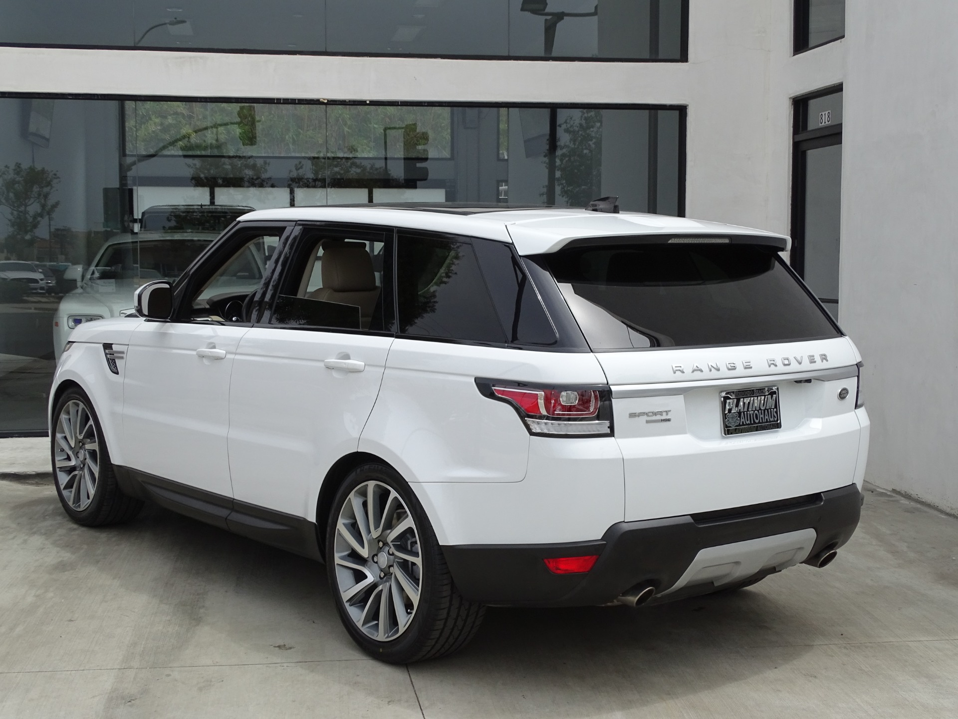 Used-2017-Land-Rover-Range-Rover-Sport-HSE