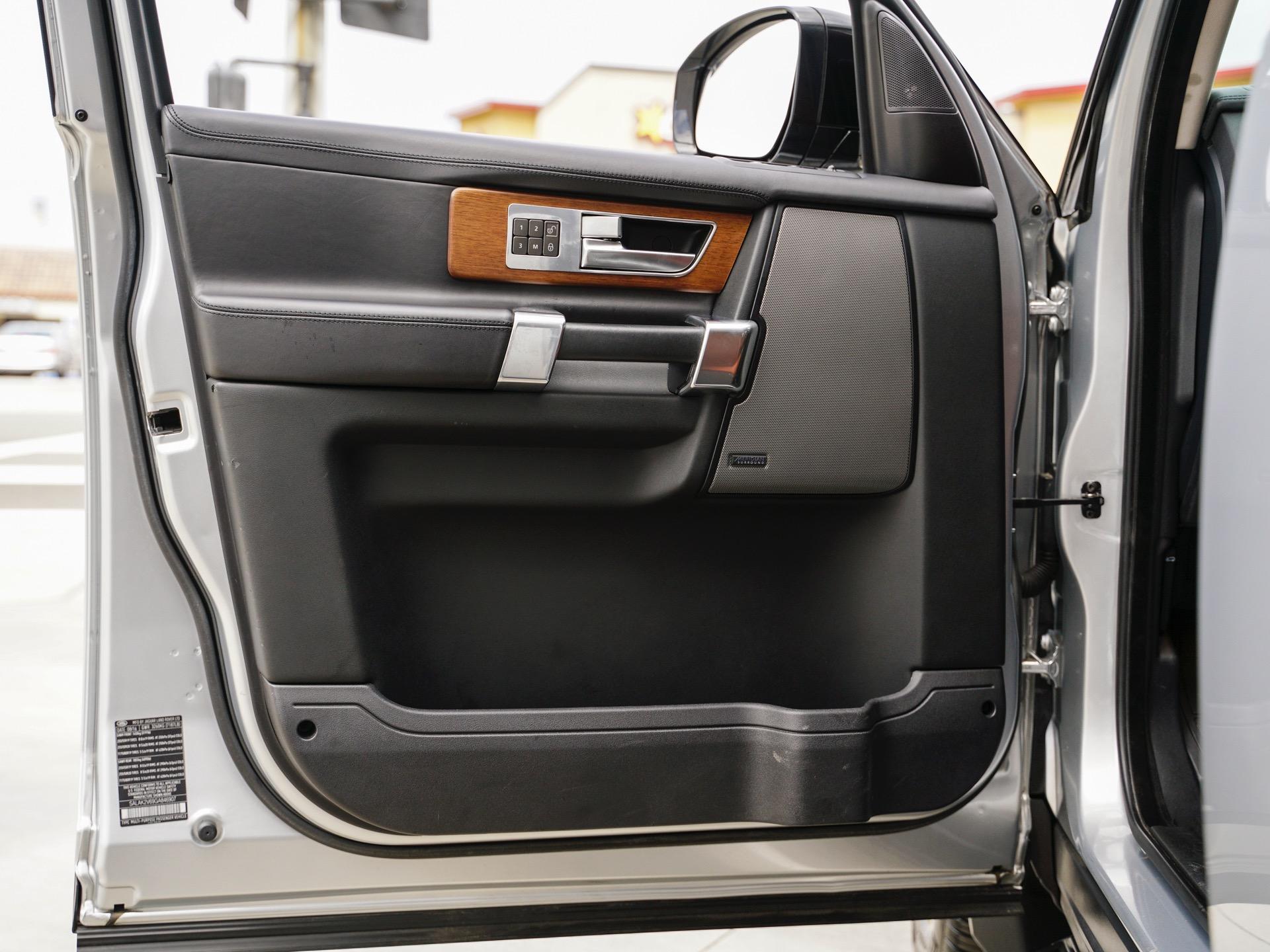 Used-2016-Land-Rover-LR4-Landmark-Edition