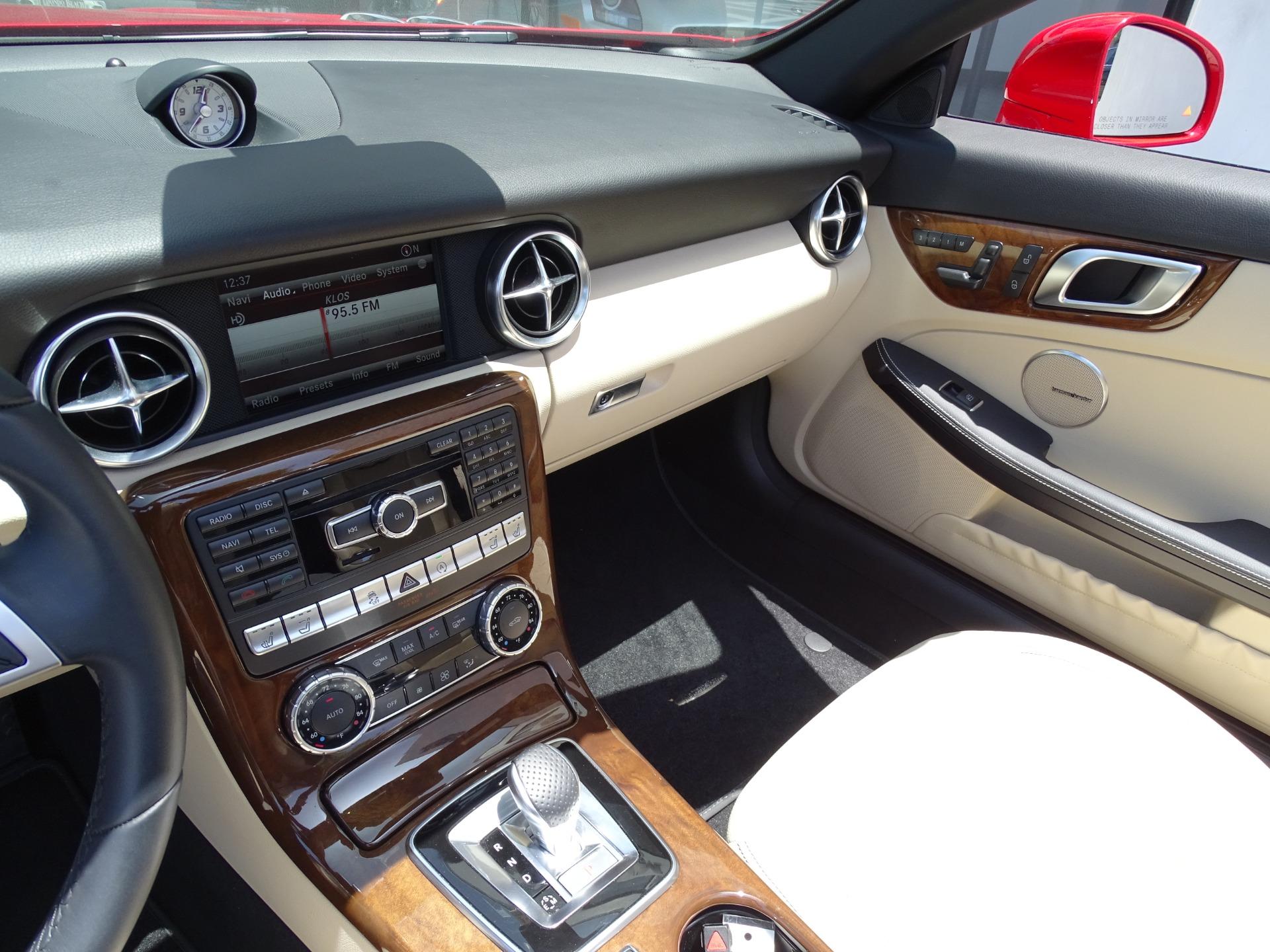 Used-2016-Mercedes-Benz-SLK-SLK-300