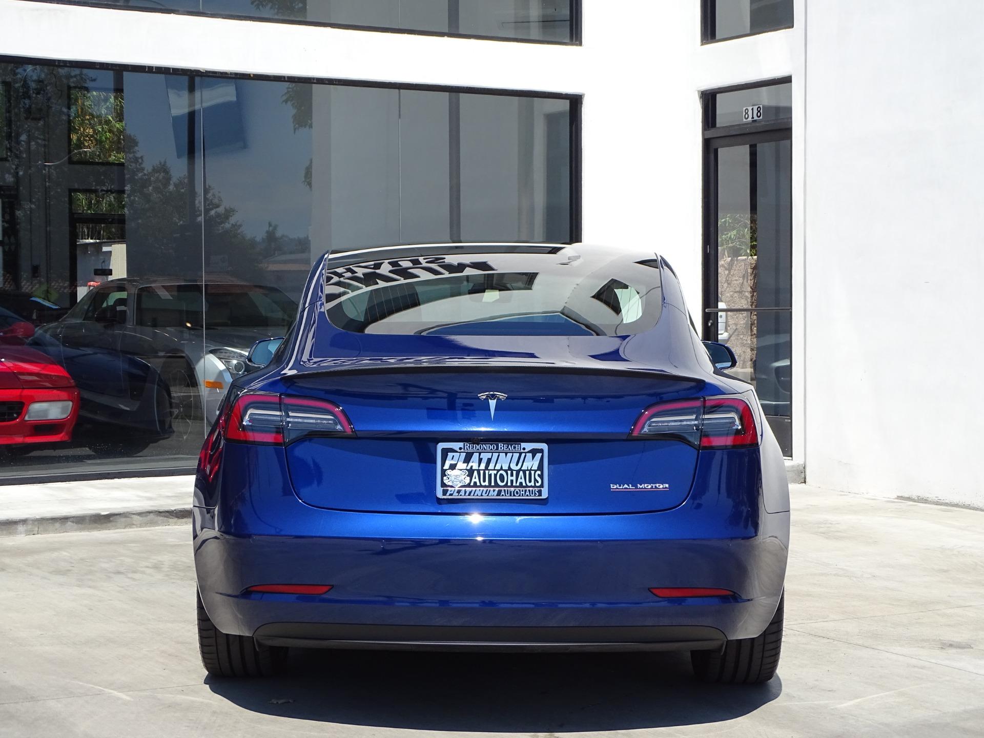 Used-2020-Tesla-Model-3-Performance