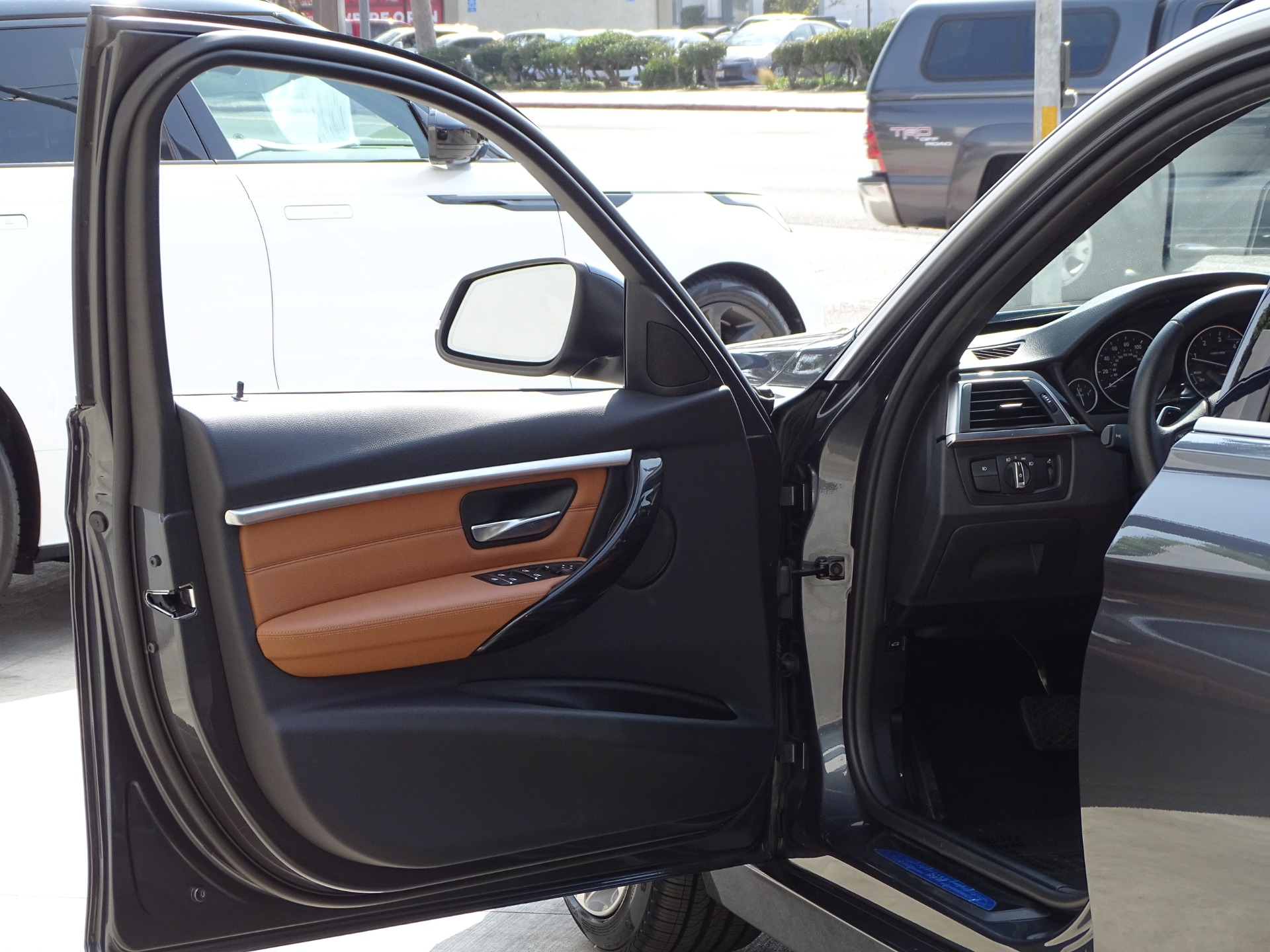 Used-2017-BMW-3-Series-328d-xDrive