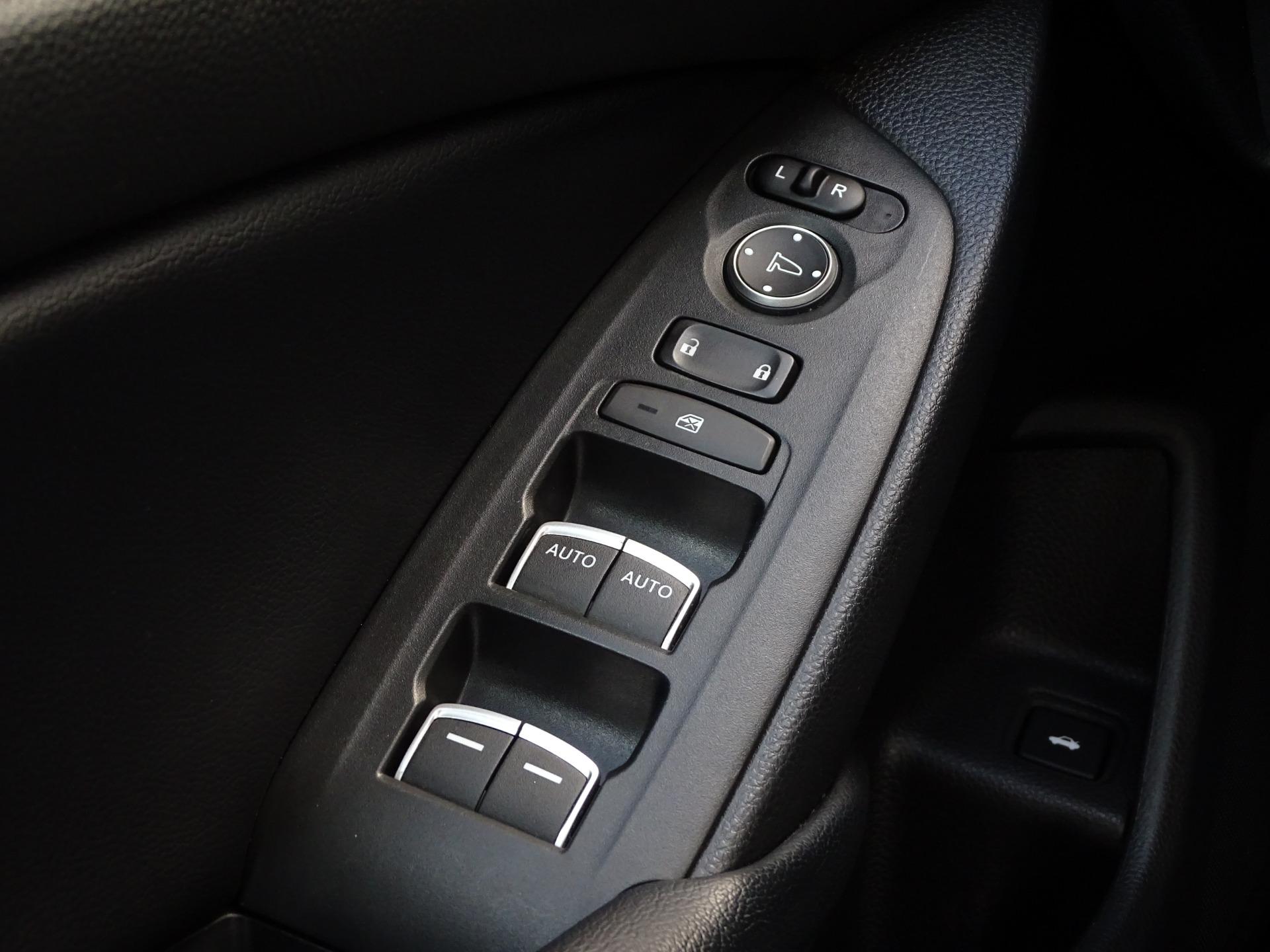 Used-2018-Honda-Accord-LX