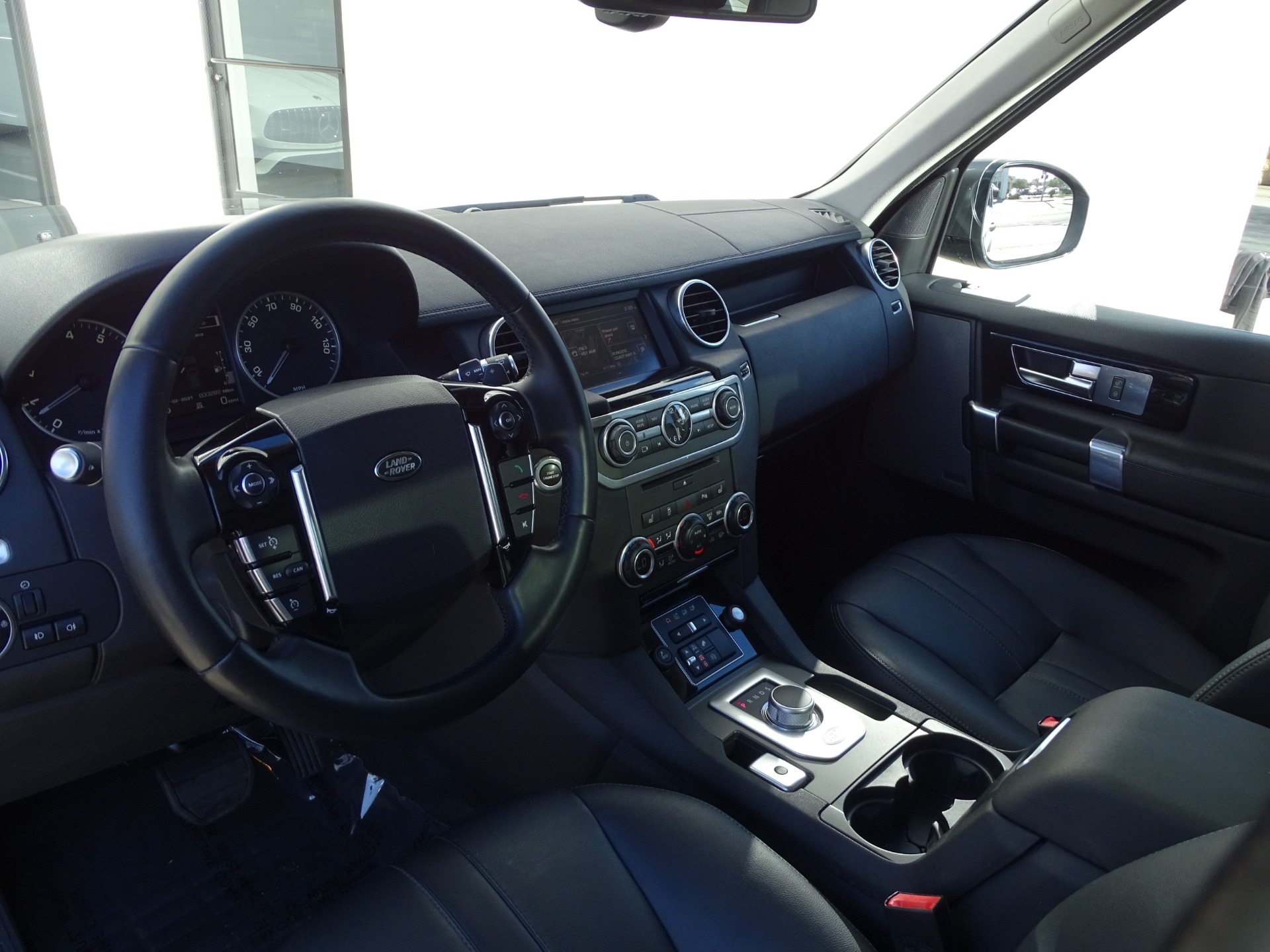 Used-2016-Land-Rover-LR4-HSE