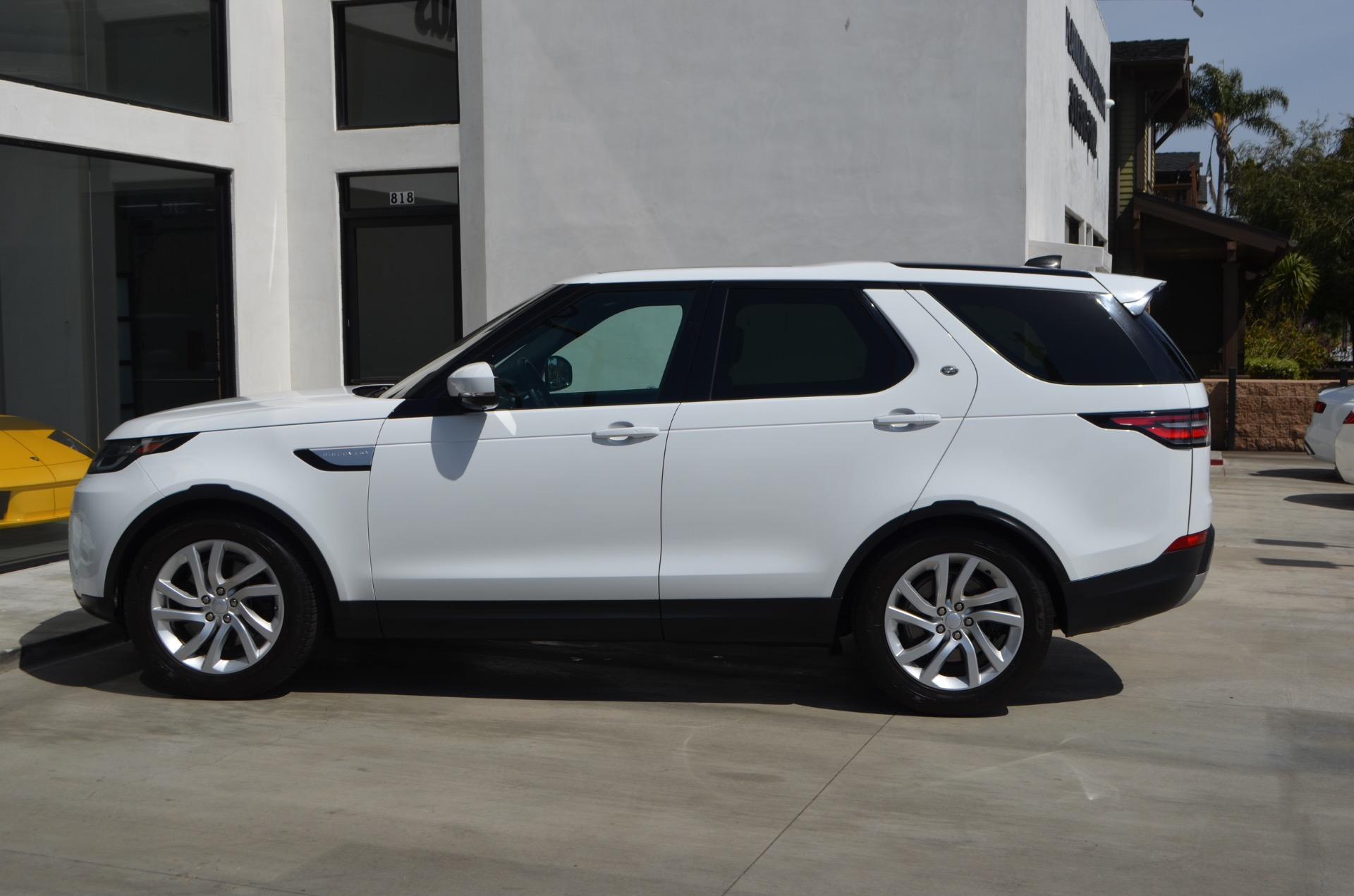 Used-2017-Land-Rover-Discovery-HSE