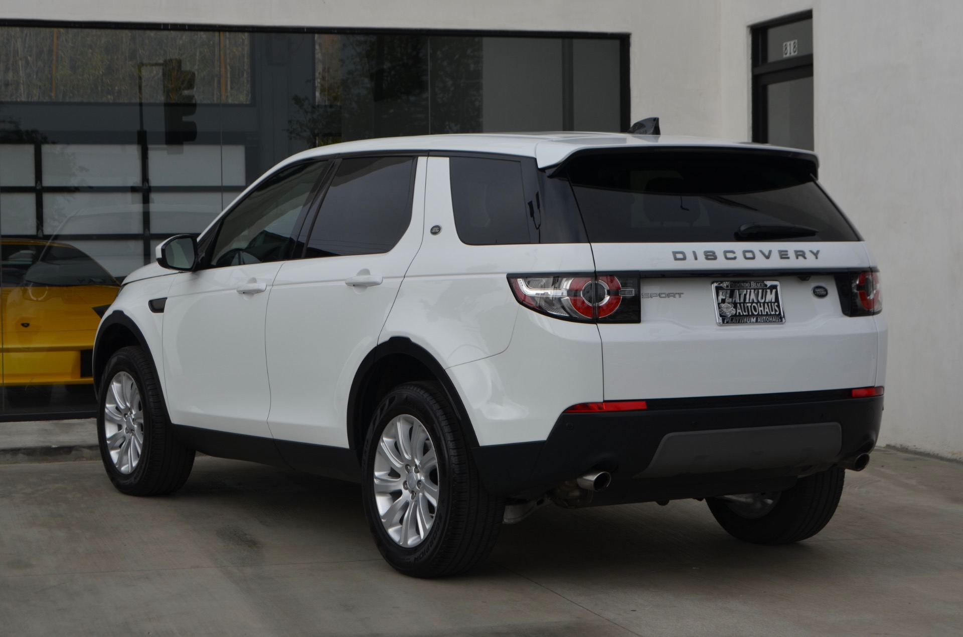Used-2018-Land-Rover-Discovery-Sport-SE