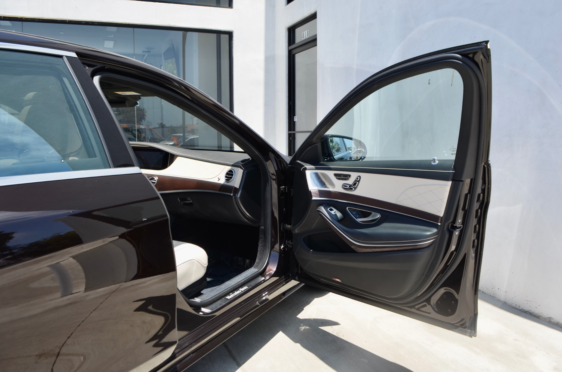 Used-2018-Mercedes-Benz-S-Class-S-560