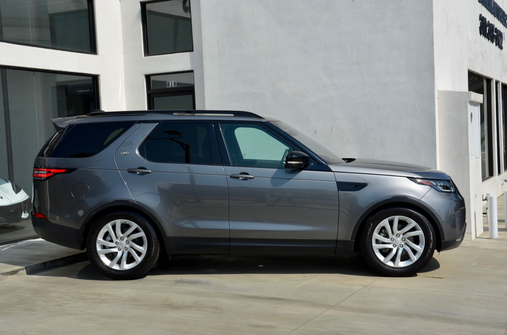 Used-2018-Land-Rover-Discovery-HSE-Td6