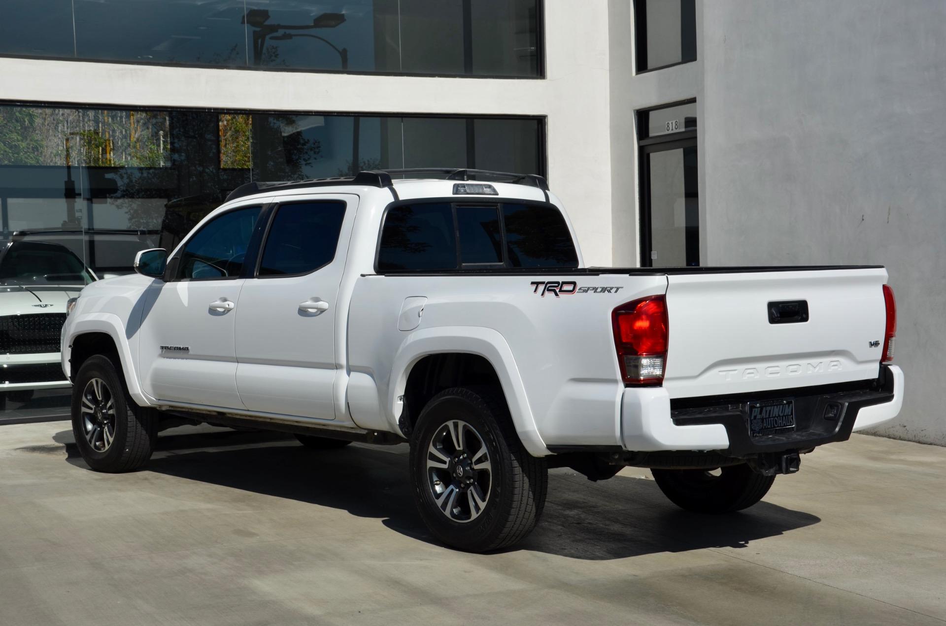 Used-2016-Toyota-Tacoma